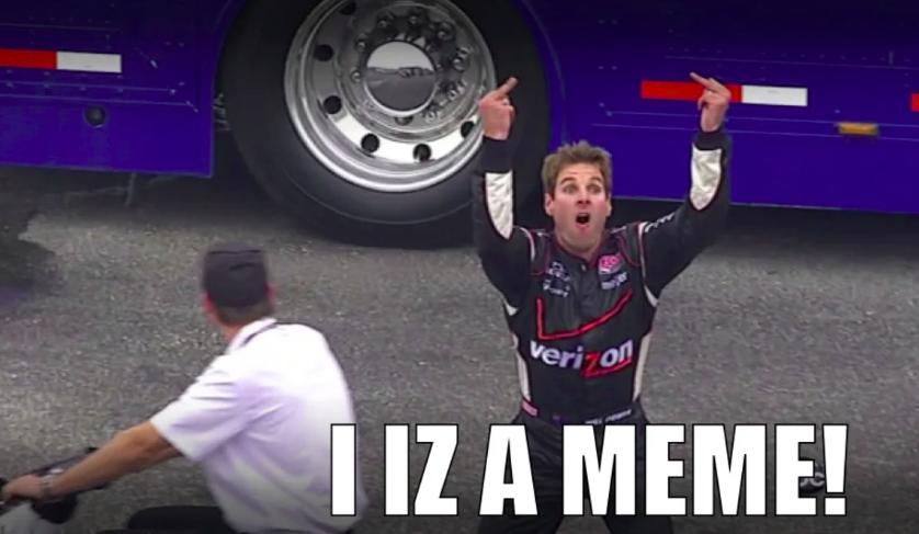 Isten éltesse a mérges autóversenyzőt!