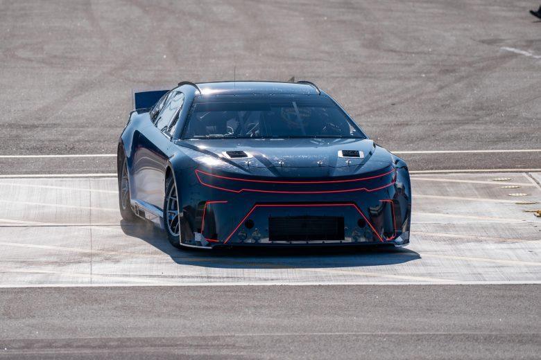 A NASCAR vadonatúj autójában nagyobb hangsúlyt kapaversenyzők tudása