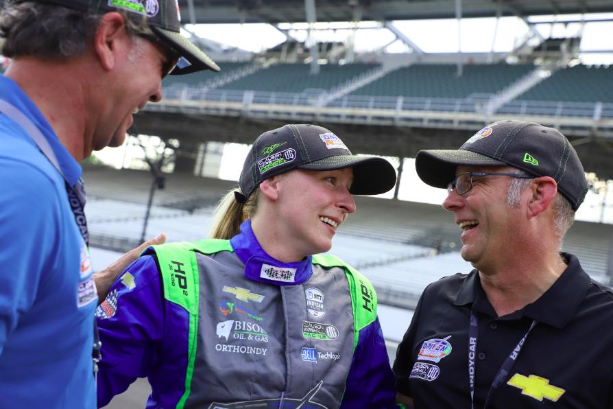 Richard Marshall, Pippa Mann és Tim Clauson a 2019-es kvalifkációs siker után - credit:IndyCar