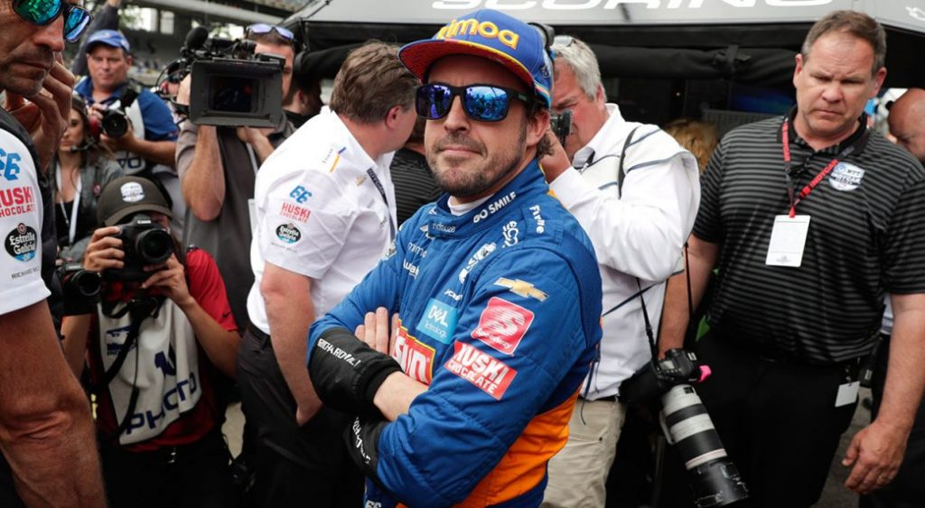 Indy 500: Alonso reagált Villeneuve kritikájára