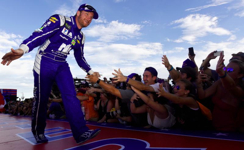 Dale Jr. is bekerült a NASCAR halhatatlanjai közé