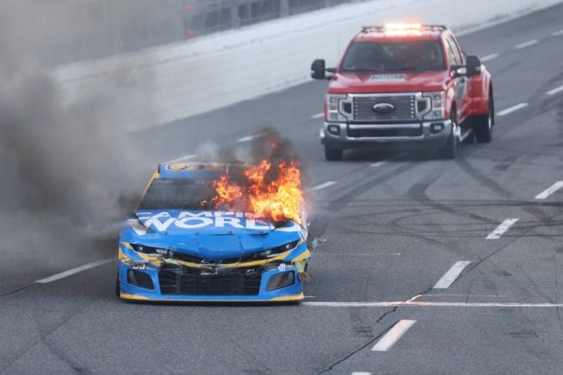 Daniel Suarez berágott a NASCAR biztonsági csapatára