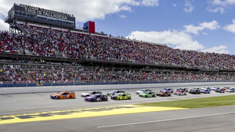 """""""Ingoványos terület"""" – A NASCAR senkit sem akar oltásra kötelezni"""