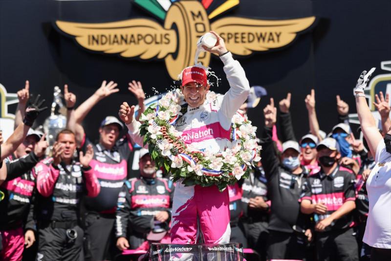 Indy 500: Győzött a szívek bajnoka