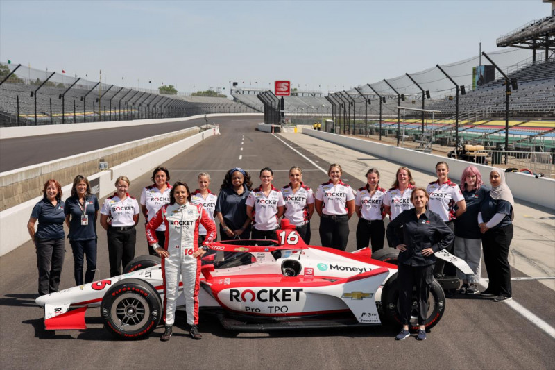 Az Indy 500 csajcsapata számára a legendás verseny csak a kezdetet jelenti