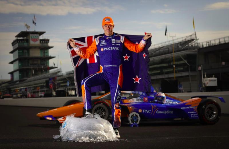 Betegen szerezte meg negyedik Indy 500 pole-ját Scott Dixon