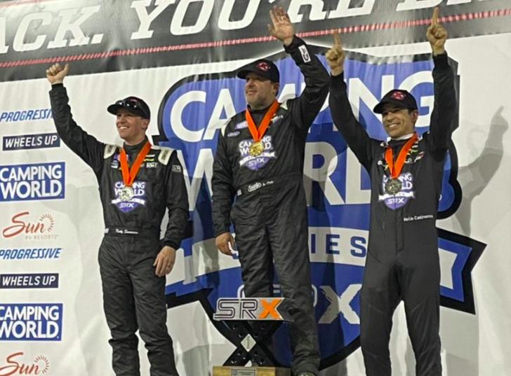 SRX: Tony Stewart győzött, Castroneves dobogón, Marco Andretti heatet nyert