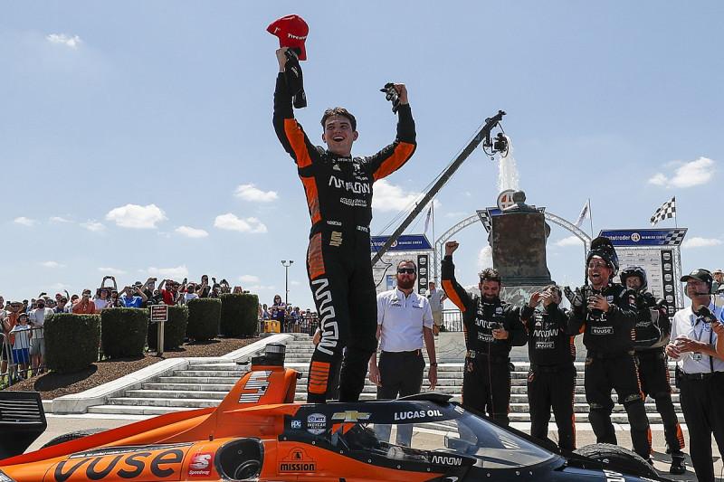 O'Ward újabb győzelmet szerzett a McLarennek, Grosjean dühében tűzoltónak állt