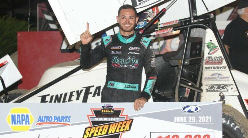 PA Speedweeks: Larson nyert Grandview-n, Bell a hetedik