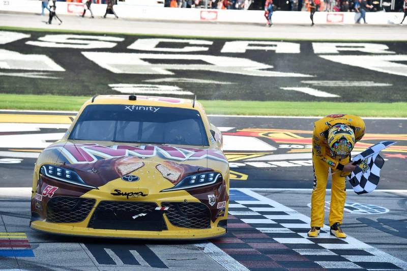NASCAR: Győzelemmel búcsúzott az Xfinity Seriestől Kyle Busch
