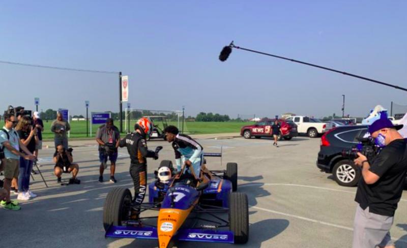 A McLaren kétüléses IndyCar-gépével ment edzőtáborba a Colts sztárja