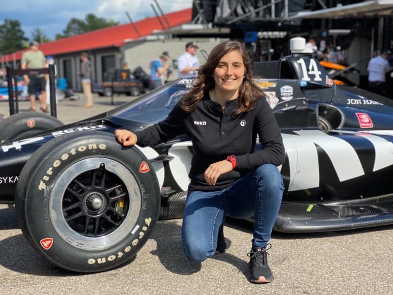 IndyCar: Hölgyversenyző tesztel az AJ Foyt Racingnek