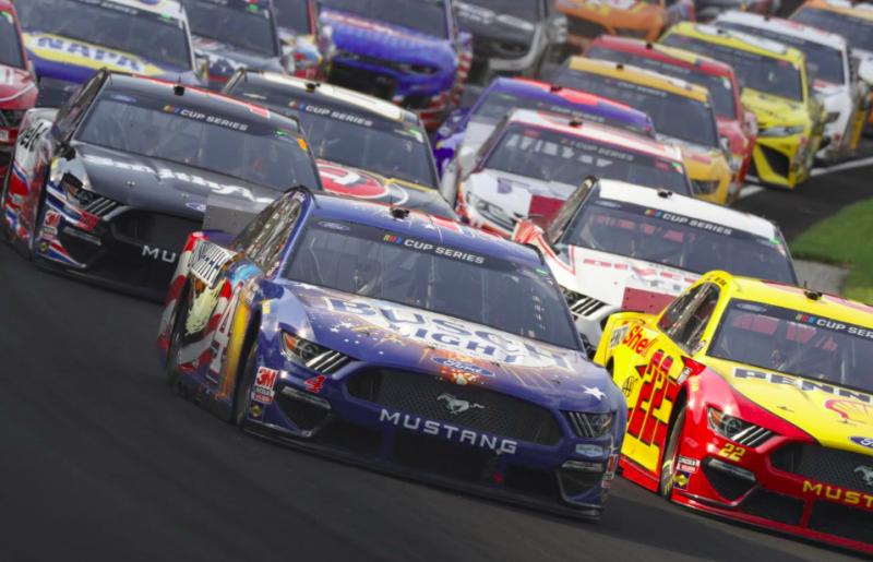 A pilóták kérése ellenére a NASCAR továbbra is keményen fellép az oltatlanokkal szemben