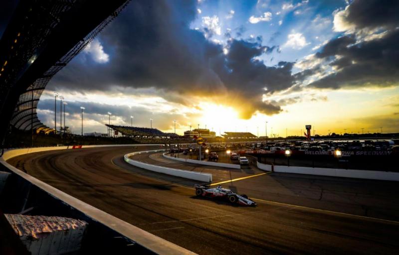 HIVATALOS: Az IndyCar duplafordulóval tér vissza az Iowa Speedwayre