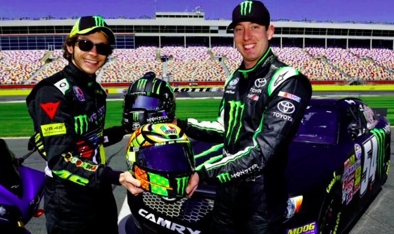 Flashback: Amikor Valentino Rossi belekóstolt a NASCAR-ba