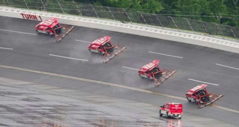 Hétfőre halasztották a NASCAR Cup talladegai versenyét